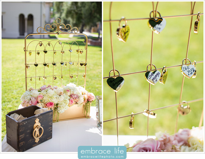 Wedding ceremony display inspired by Paris love locks