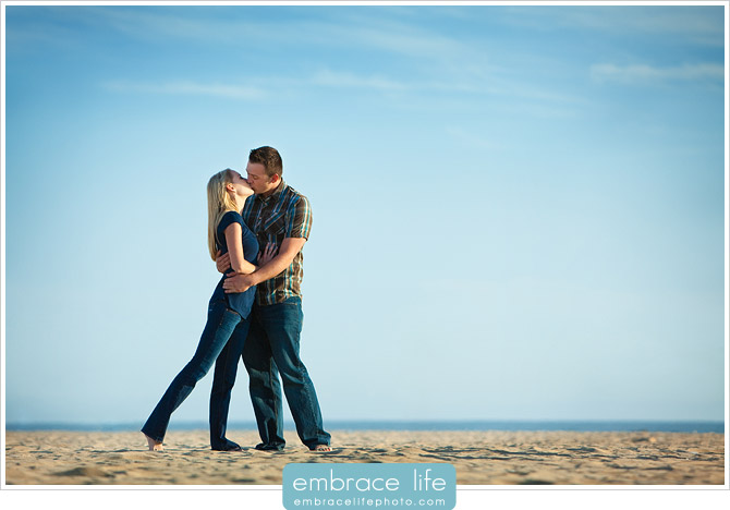 Venice Beach Engagement Pictures - 15